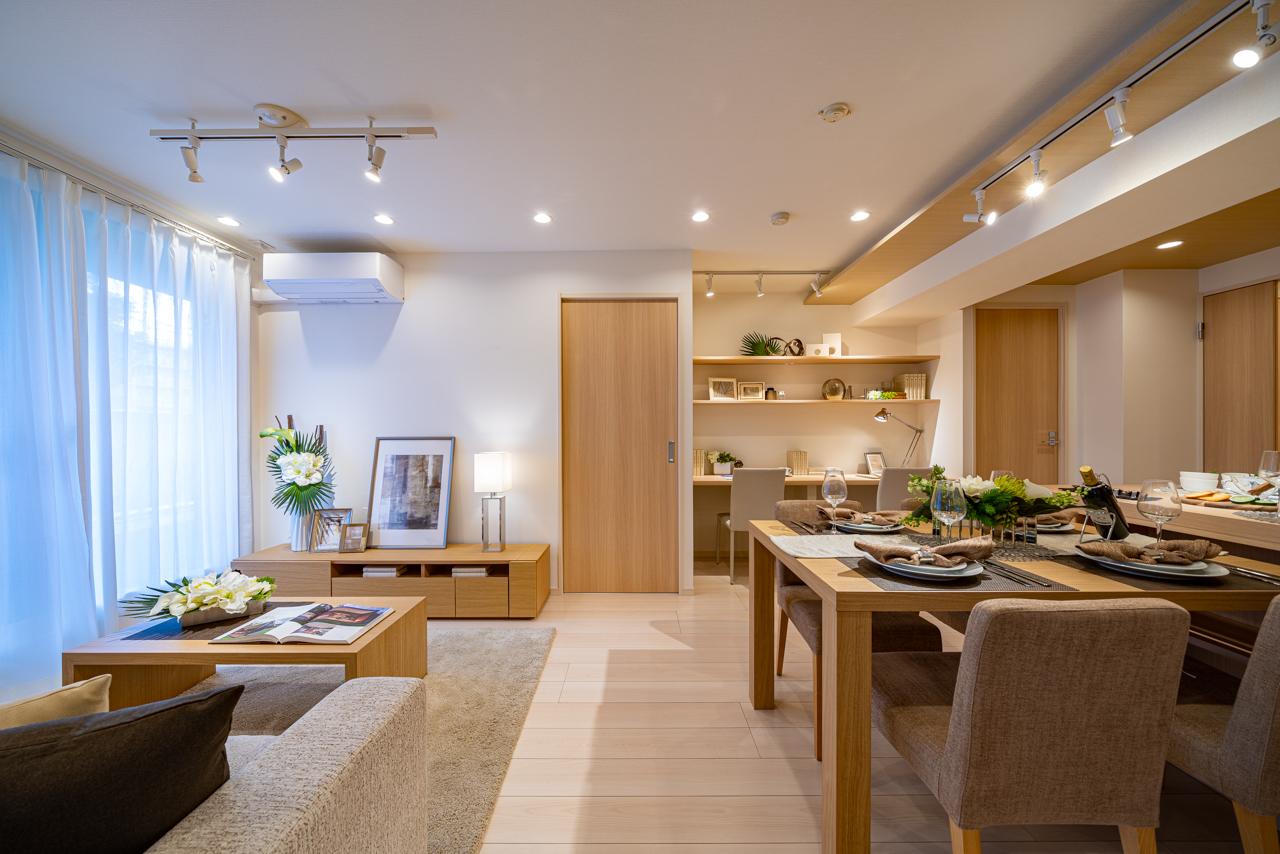 新大久保 収納豊富なキッチンスペース