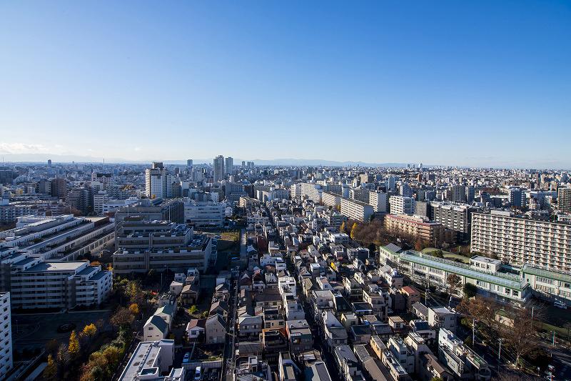 高田馬場 ルーフバルコニーと抜ける眺望