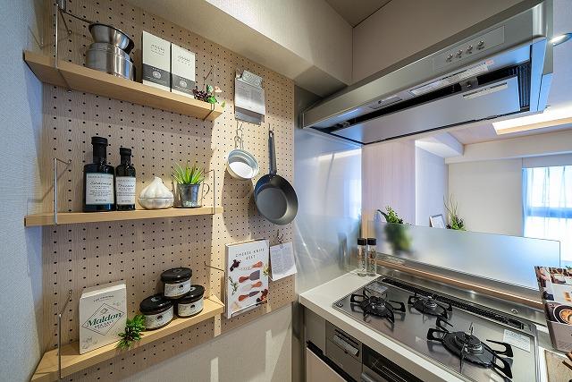 不動前 お気に入りを並べて、魅せるキッチンを楽しむ
