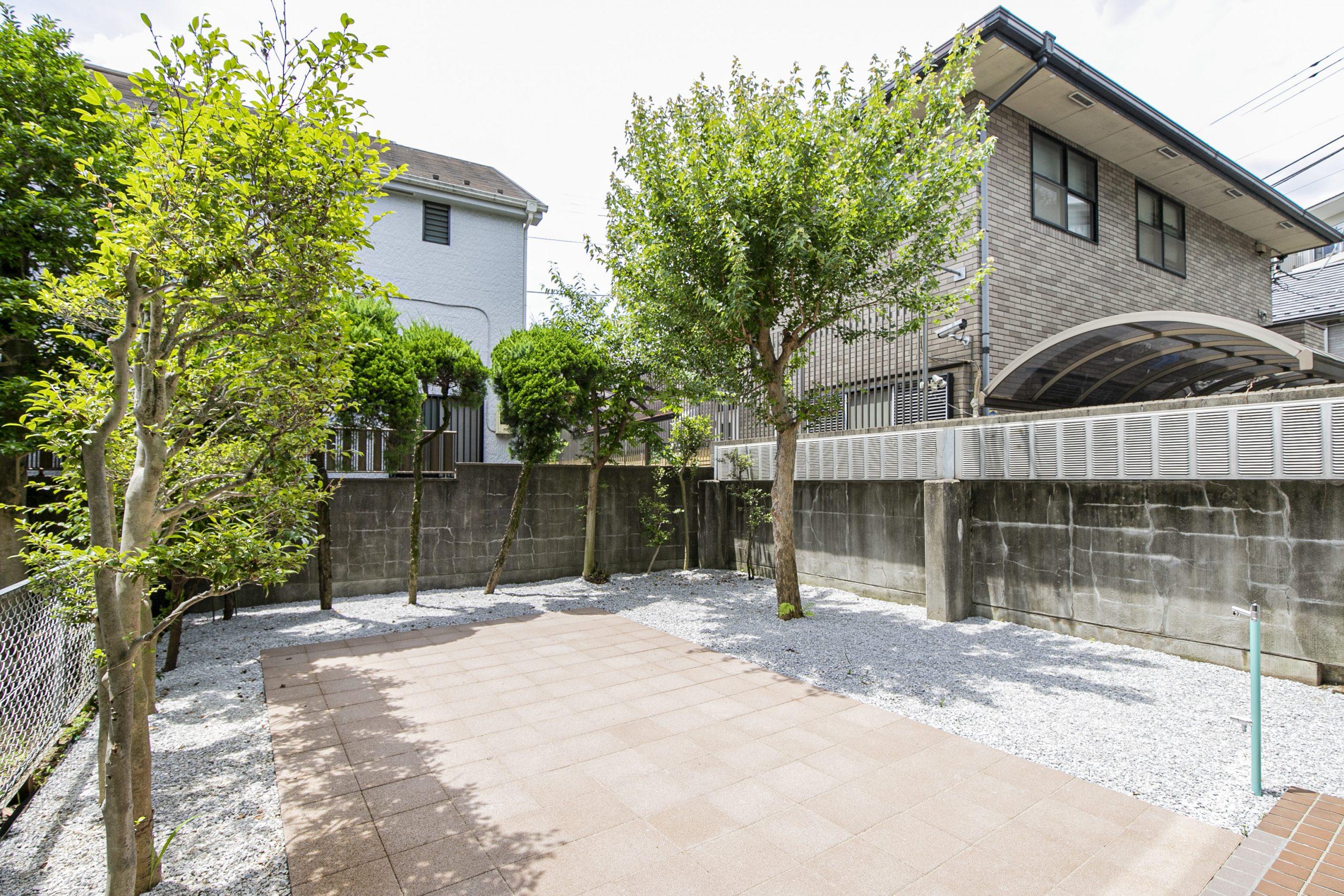 浜田山 戸建て感覚で暮らせる庭付きメゾネット
